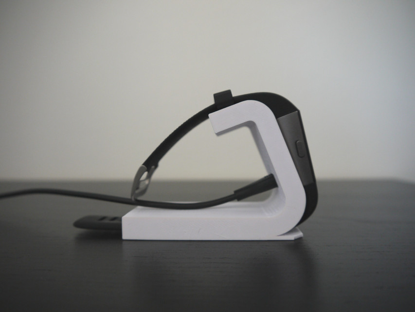 Fitbit Surge Desktop Stand Step Iges Stl 3d Cad