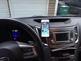 iPhone 5 Car Mount fits into Subaru Air Vent