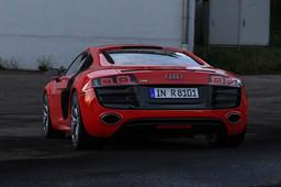 AUDI R8 2010 V10