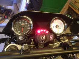 Gear indicator bracket suzuki gsx 750 es