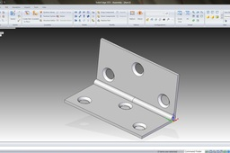 How to model a hinge in Solid Edge?