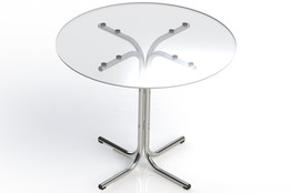 Table (Glass and Chorme). Mesa de vidro e metal cromado.