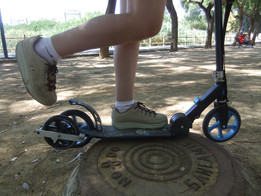Kick and Go Scooter with Auxiliary Drive Wheel: First Prototype
