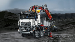 LEGO_Technic_Mercedes_Benz_Arocs_42043