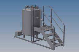 750 litre milk storage tank with skid, pump and steps